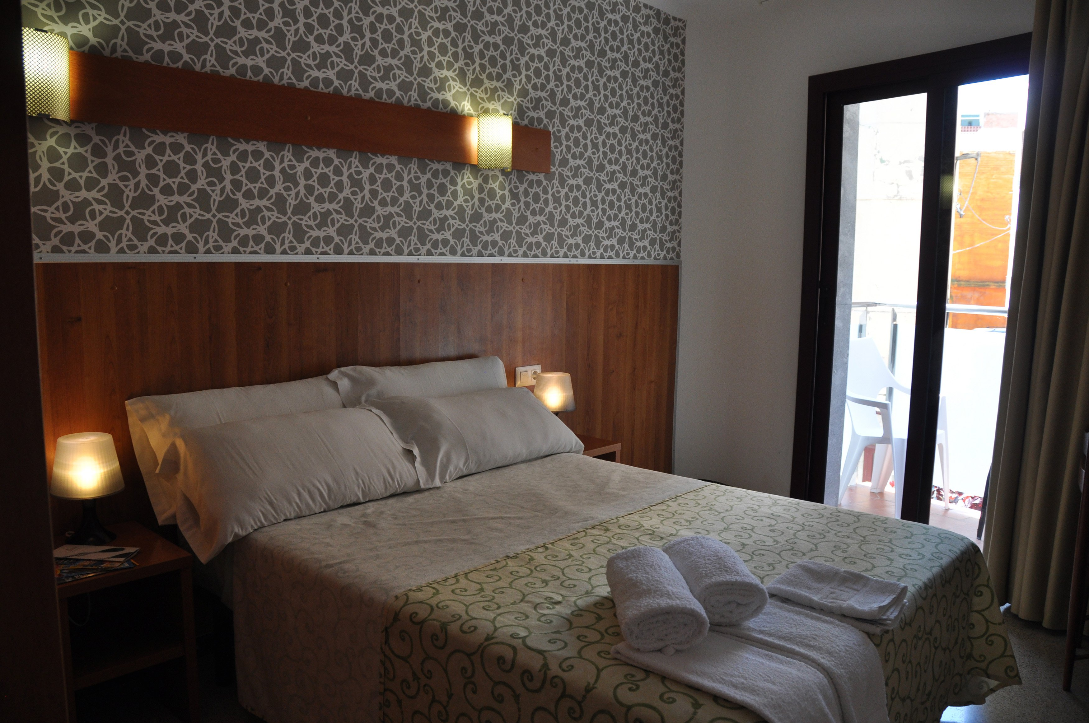 Double Room with Balcony and Private Bathroom 3